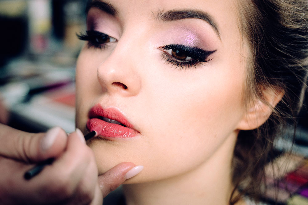 Look Natual with Make-up